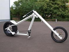 AtomicZombie Bikes, Trikes, Recumbents, Choppers, Ebikes, Velos and more: Vigilante style bike chopper from Germany