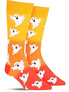 Sometimes when things go bump in the night, it's just you stubbing your toe on your way to the bathroom. But you can blame it on a ghost if you pick up a pair of these fun Halloween socks! Just say yo Halloween Socks, Halloween Fashion, Halloween Outfits, Halloween Fun, Halloween Clothes, Halloween Patterns, Halloween Prints, Cozy Socks, Fun Socks