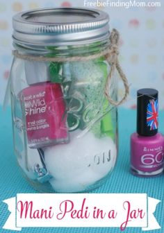 Homemade Mother's Day Gift Idea: Mani Pedi in a Jar - Forget the expensive day at the spa, give mom a luxurious mani pedi in the comfort of her home. This is a great DIY gift idea for teachers and babysitters as well. Homemade Mothers Day Gifts, Mothers Day Crafts, Homemade Gifts, Mother Day Gifts, Mason Jar Crafts, Mason Jars, Memorial Day, Holiday Gifts, Christmas Gifts