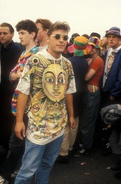 Darcus, don't believe them when they tell you the was cool. Indie raver queueing outside a rave, UK, 1992 Ted Polhemus/ PYMCA 90s Culture, Street Culture, Youth Culture, Culture Shock, Rave Festival, Festival Fashion, Indie, Ted, Acid House