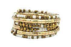 Raffiné, ce bijoux bracelet doré large et pas cher est très à la mode pour les femmes fashion. Bracelets, Charmed, Gold, Html, Jewelry, Nice Jewelry, Jewelry Designer, Indian Jewelry, Handcrafted Jewelry