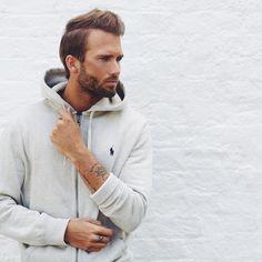 @erik.forsgren erik.forsgren The Grey Hoodie 🏇 #nlyman #ralphlauren