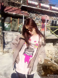 Lin Yun releases photos | China Entertainment News
