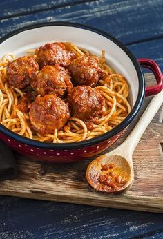 36 Super Ideas For Pasta Beef Recipes Dishes Meatball Recipes, Beef Recipes, Pastas Recipes, One Pot Pasta, Albondigas, Spaghetti And Meatballs, Spaghetti Recipes, Clean Eating Snacks, Gastronomia
