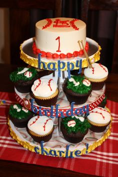 Cardinals baseball birthday party cup cakes!