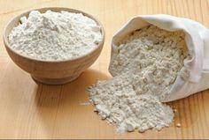 Para obtener una crema pastelera más densa, necesitamos de un poco de harina.
