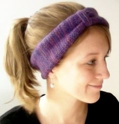 This Urban Ear Warmer Knockoff Free Knitting Pattern is inspired by a headband from Urban Outfitters. Create your own version of this knit headband pattern. It's simple to make, and cinching it  creates a faux bow look that totally unique.