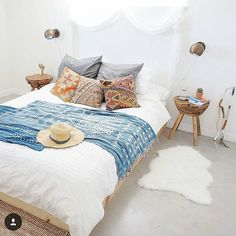 dreamy! ! how gorgeous is @casajoshuatree 's house in Joshua Tree, CA...want to stay there!