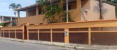 Quer passar o dia do Trabalho de 30/04 à 04/05 em Gravatá, Saquarema, RJ, nessa linda casa com piscina? Reserve Agora: http://www.casaferias.com.br/imovel/105575/temporada-em-saquarema-centro-p-ate-30-pessoas  #feriado #diadotrabalho