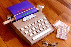 Estefi Machado: cardboard typewriter * my most beautiful post! @ http://www.estefimachado.com.br/2013/07/maquina-de-escrever-de-papelao-meu-post.html