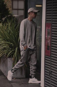 Urban Fashion Justin Bieber my love Justin Bieber Outfits, Justin Bieber Style, Justin Bieber Photos, Justin Bieber Fashion, Urban Fashion, Mens Fashion, Justin Bieber Wallpaper, Streetwear, Outfits Hombre
