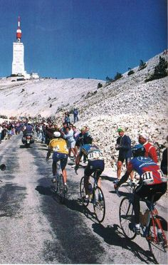 Mont Ventoux - Big Mig leads the way? Cycling Art, Road Cycling, Cycling Bikes, Cycling Clothes, Velo Vintage, Vintage Cycles, Cycling Magazine, Alpe D Huez, Mtb