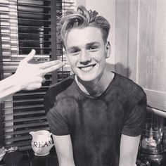 Image shared by Find images and videos about boys, bands and the vamps on We Heart It - the app to get lost in what you love. Bradley Will Simpson, Brad Simpson, Tristan The Vamps, Somebody To You, Declan Mckenna, George Ezra, Jake Miller, Pop Bands, My People