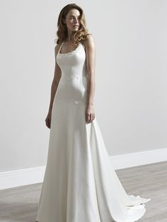 Chloe - Sassi Holford 2019 Enchanted Collection. Designer wedding dress 3299971ff