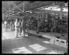 """The first car factory in the United States forFord (1926).  """"Here Are 45 Rare Photos From The Past You've Never Seen Before."""""""