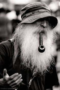 men beard men beard The post men beard appeared first on Fotografie. Face Reference, Photo Reference, Foto Portrait, Portrait Photography, Black White Photos, Black And White Photography, Trippy Hippie, Old Faces, Face Expressions