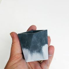 Full tutorial for how to make colored concrete planters on www.rowhousenest.com