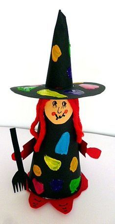 Witch made of construction paper - crafting Halloween - my grandchildren . - Witch made of construction paper – crafting Halloween – my grandchildren and me - Cheap Fall Crafts For Kids, Easy Fall Crafts, Crafts For Teens, Art For Kids, Kids Diy, Halloween Crafts For Kids, Halloween Fun, Halloween Spider, Halloween Cards