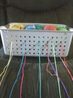 Brilliant idea - will have to try this some time - yarn holder. Much cheaper than a yarn bowl Crochet Tools, Crochet Crafts, Crochet Yarn, Crochet Stitches, Crotchet, Yarn Crafts, Diy Crafts, Yarn Projects, Knitting Projects