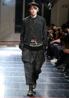 Yohji Yamamoto | AUTUMN / WINTER 2014-15 HOMME PARIS COLLECTION - Look 7
