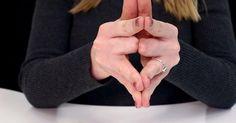 Jeder Finger trägt im Volksmund einen speziellen Namen - sei es der Zeigefinger, Mittelfinger oder Ringfinger. Doch haben Sie sich schon mal gefragt, warum man den Ehering eigentlich am Ringfinger trägt? Dieses Video erklärt Ihnen die Symbolik dahinter.