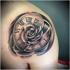 Risultati immagini per tattoo orologio