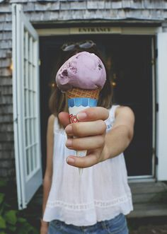 End of Summer Bucket List tank, ice cream, summer, fashion End Of Summer, Summer Fun, Summer Time, Summer Snow, Faceless Portrait, Free People Blog, Summer Goals, Summer Photography, Girl Photography