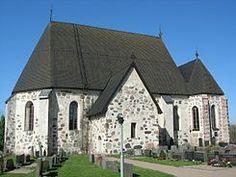 Nousiaisten kirkko.Nousiaisten Pyhän Henrikin kirkko, rakennettu 1200-luvulla.