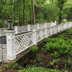 Impressive Tricks: Fence For Backyard Outdoor Spaces white fence lighting.Fence For Backyard Outdoor Spaces fence art weaving. Wooden Fence Gate, Fence Gate Design, Bamboo Fence, Cedar Fence, Pallet Fence, Dog Fence, Front Yard Fence, Fence Art, Fence Landscaping