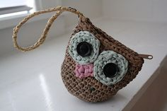 plarn owl purse - The absolute Cutest use for Plarn that I have found yet! (Although it's only my first day).
