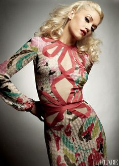 Gwen Stefani . this dress is amazing