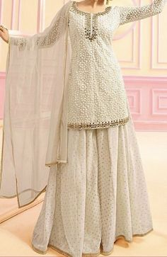 Discover recipes, home ideas, style inspiration and other ideas to try. Party Wear Indian Dresses, Pakistani Fashion Party Wear, Designer Party Wear Dresses, Indian Gowns Dresses, Indian Fashion Dresses, Dress Indian Style, Pakistani Dress Design, Indian Wedding Outfits, Indian Designer Outfits