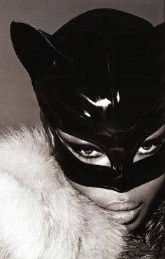 "classically-california: "" Naomi Campbell as Catwoman for Vogue Russia December Mert and Marcus Editorial "" Naomi Campbell, Cindy Crawford, Top Models, Jean Paul Goude, Catty Noir, Linda Evangelista, Karen, Beleza, Costumes"