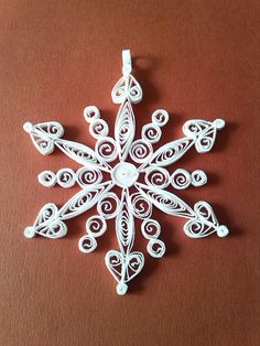 Christmas Lace - Quilled Snowflake Ornaments  #quilling Kerststerren Quilling