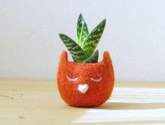 2014 Felt succulent planter  / Kitty cat vase / orange with a heart / Cat lover gift / mother day gift - Choose your color!