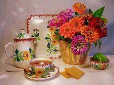 Flores, hermosa vajilla... harán de un break para tomar un té, un momento donde se combinan mágicamente la belleza y la armonía...