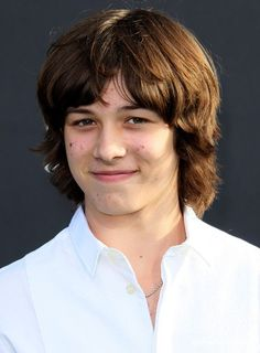 Leo Howard as Septimas Heap.