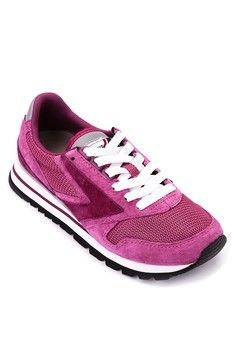 Chariot Sneakers from Brooks in pink_1