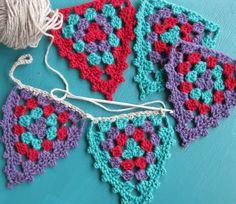 Transcendent Crochet a Solid Granny Square Ideas. Inconceivable Crochet a Solid Granny Square Ideas. Crochet Bunting Pattern, Crochet Garland, Granny Square Crochet Pattern, Crochet Squares, Crochet Motif, Crochet Stitches, Crochet Patterns, Granny Squares, Crochet Yarn