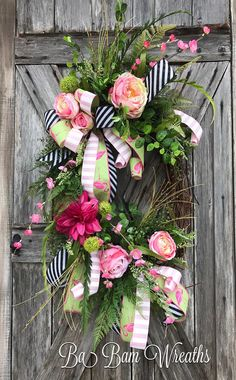Mothers Day Wreath - Mothers Day Gift - Flamingo Wreath - Floral Wreath - Large Wreath - Front Door Wreath - Summer Wreath This wildflower wreath is simply stunning & perfect for welcoming your everyday! Dainty realistic flowers in various tones of pink and green make a big beautiful