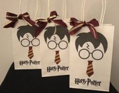 Harry Potter Bachelorette Party Games Sorting Hat 63 Ideas For 2019 Baby Harry Potter, Harry Potter Games, Harry Potter Baby Shower, Harry Potter Cosplay, Harry Potter Decor, Harry Potter Birthday, Harry Potter Characters, Harry Potter Candles, Harry Potter Drinks