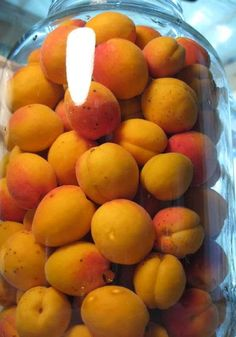 Apricot Brandy: Gallon Jar Filled With Unpitted Apricots, 3 Cups Sugar, 26 Oz Vodka, Shake Daily For 3 Months Canadian Crafter Canning Recipes, Wine Recipes, Real Food Recipes, Alcohol Recipes, Homemade Alcohol, Homemade Liquor, Fruit Drinks, Yummy Drinks, Beverages