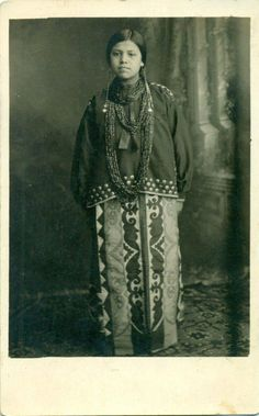 Native American Music, Native American Photos, Native American Women, Native American History, Native American Indians, Native Americans, Native Style, Native Art, American Clothing