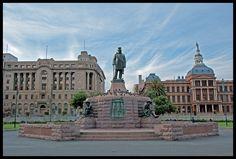 Kerkplein, met standbeeld van Paul Kruger