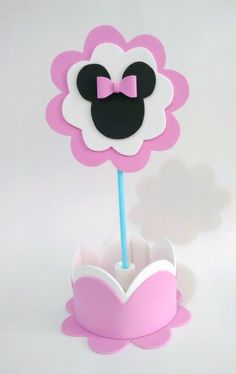 Minnie Mouse Pinata, Minnie Mouse Theme, Baby Mickey, Minnie Birthday, 2nd Birthday, Diy Baby Gifts, Paper Crafts, Diy Crafts, Craft Box