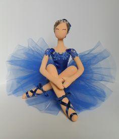 boneca de pano bailarina azul,toda feita a mão,com fitas de cetim,tule,boneca decorativa.