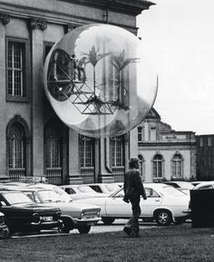 Haus-Rucker-Co, Oase Nr. 7 (Oasis No. installation at Documenta Kassel, Germany, Photo: Carl Eberth/©documenta Archives Art Et Architecture, Himmelblau, Art Moderne, To Infinity And Beyond, Retro Futurism, Public Art, Photos, Pictures, Installation Art