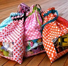 organization Toy Bags-I love these and I think I could make them pretty quickly!