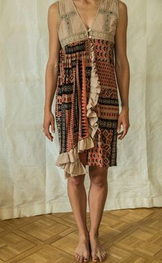 Riciclato di Boho Upcycled womans abbigliamento tunica | Etsy Vintage Summer Dresses, Summer Dresses For Women, Vintage Outfits, Dress Vintage, Funky Pants, Beige Top, Maternity Wear, Slow Fashion, Shabby Chic