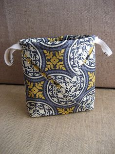 Cute folded bag, great for special fabrics.